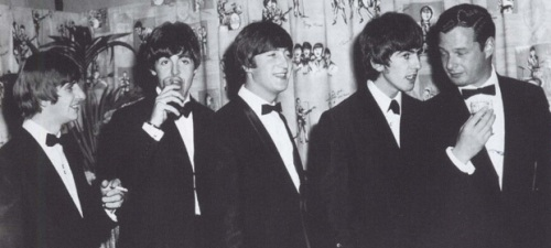 the-beatles-and-brian-epstein-at-the-hard-day-s-night-premiere-192612080